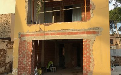VIVIENDA PLAZA ESPAÑA | Reconfiguración de huecos de fachada
