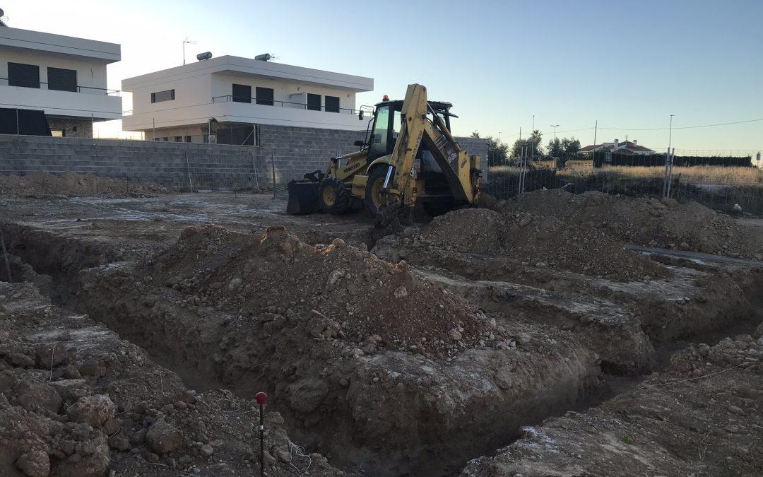 VIVIENDA D'URA   Excavación de la parcela
