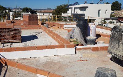 VIVIENDA D'URA   Construcción de la cubierta