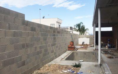 VIVIENDA D'URA   Piscina y muro perimetral II